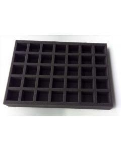 Schachteleinsatz aus Schaumstoff zum Zurechtschneiden