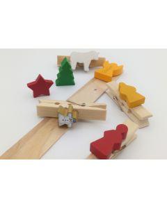 present clothespin - Christmas